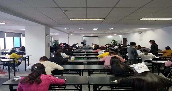 单招培训学生模拟考试